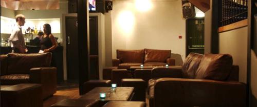strong room sofa